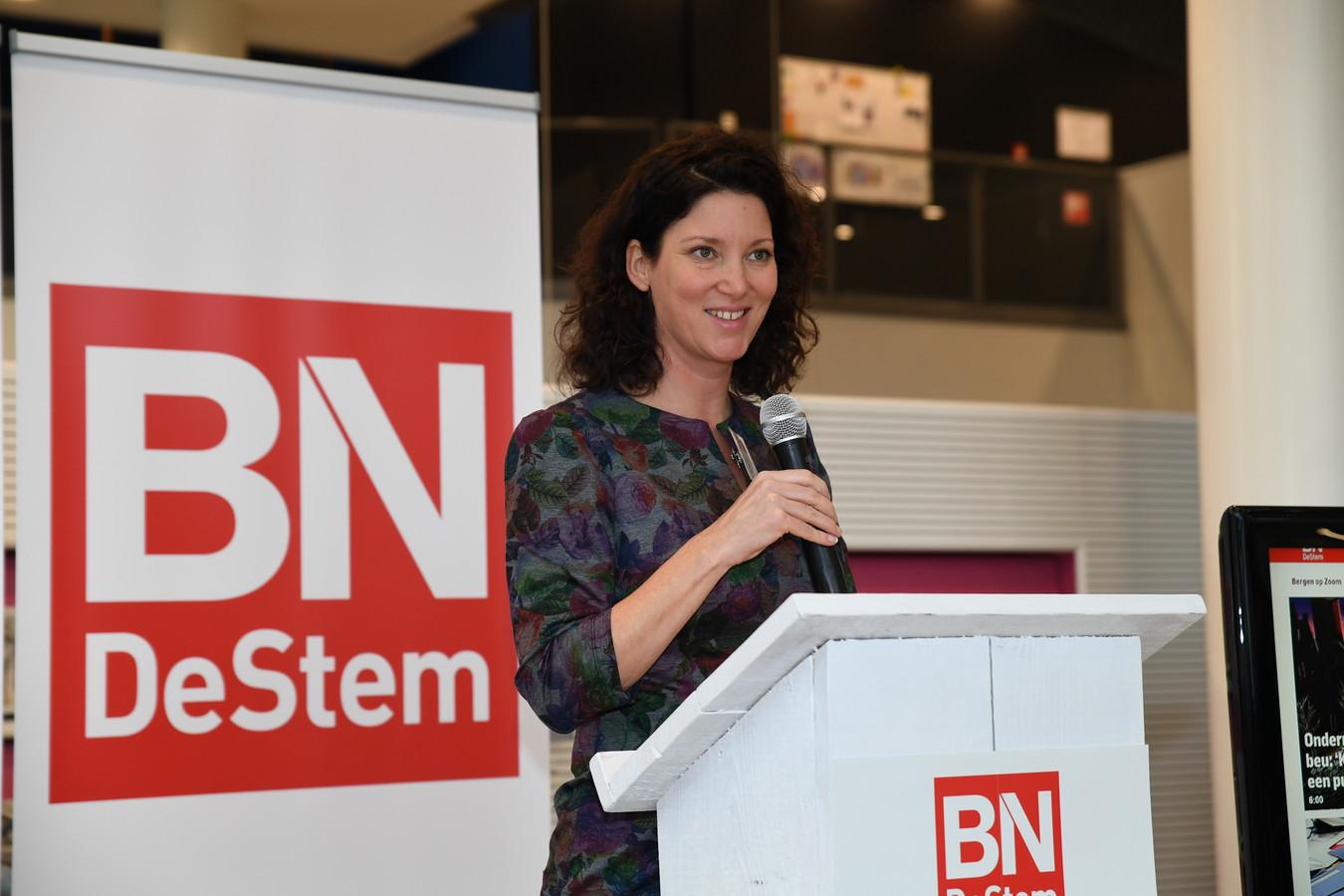 Hoofdredacteur Hille van der Kaa vertrekt bij BN DeStem. ,,Ik heb me altijd thuis gevoeld in ons gebied. Van de vette klei in Zeeuws-Vlaanderen tot de stadse fratsen van Breda.''