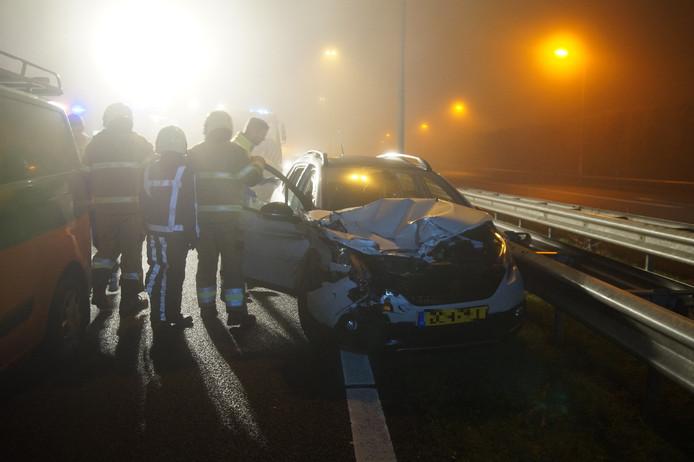 Auto's botsen op elkaar op A59 bij Vlijmen