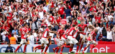 Charlton Athletic promoveert naar Championship na goal in blessuretijd