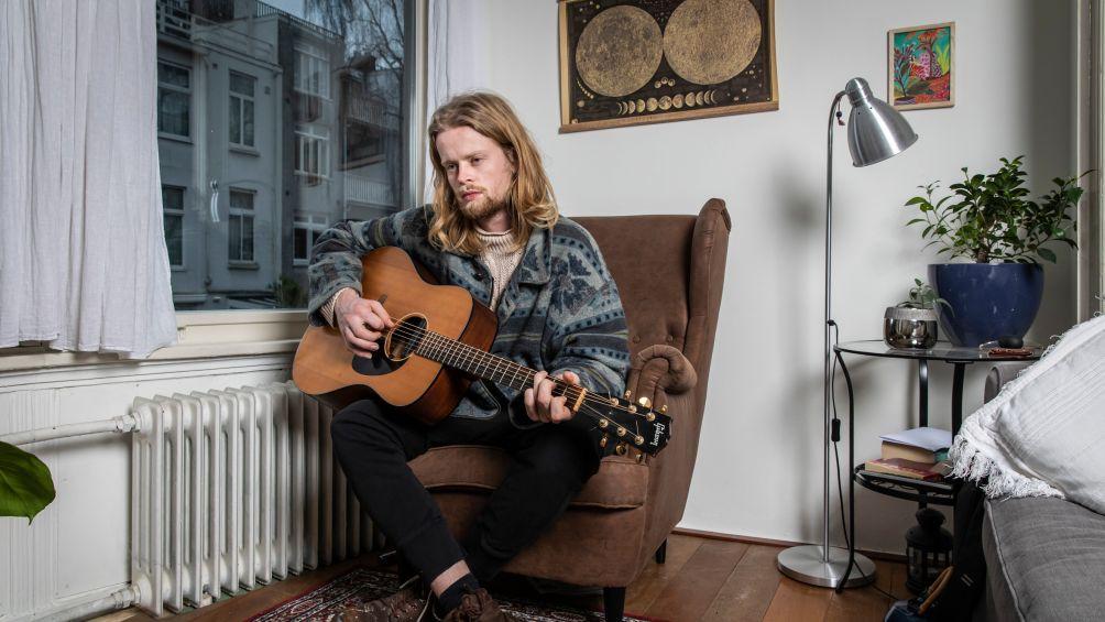 Jim (26) won The Voice, maar werd ongelukkig van muziek maken: 'Nu klus ik bij als pakketbezorger'