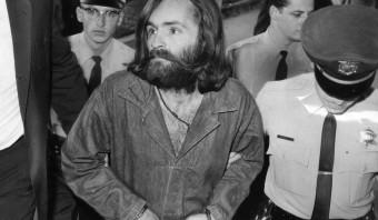 Charles Manson (1934-2017) maakte een einde aan 'love & peace'