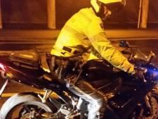 Motorrijder houdt zich nergens aan op A28 bij Zwolle