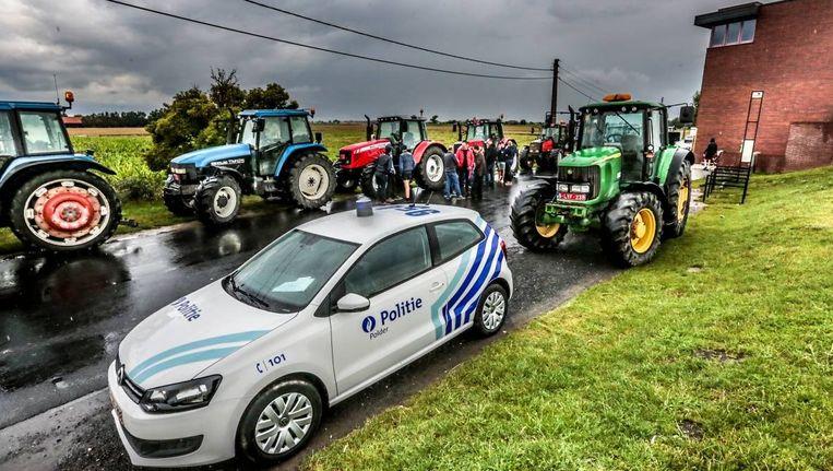 Aan de Dodengang in Diksmuide is het boerenprotest kort voor de middag begonnen.