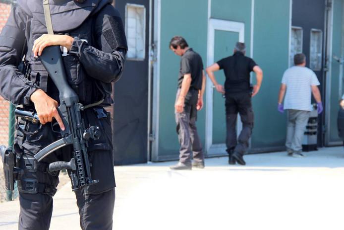 Rechercheurs doorzochten in de wapenzaak tegen Jan B. destijds ook een door hem gehuurde loods in Den Hout.