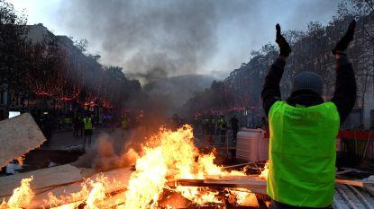 Franse 'gilets jaunes' geven niet op: officiële delegatie eist referendum