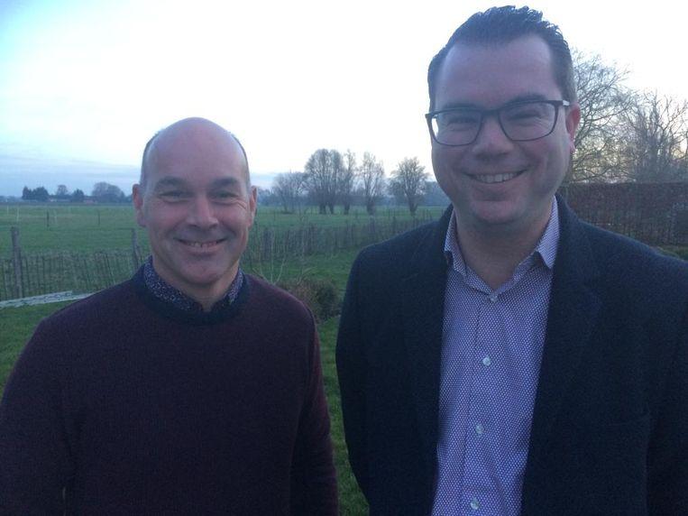 Steven Van Troys met burgemeester Simon Lagrange (Open Zulte).