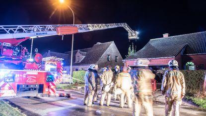 Huis in Ouwegem onbewoonbaar nadat tv-toestel implodeert en in brand vliegt