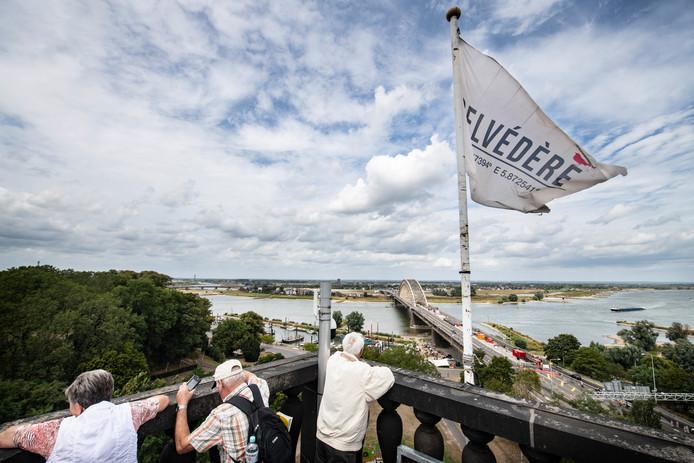 Uitzicht op de rivier vanuit de toren van de Belvédère.