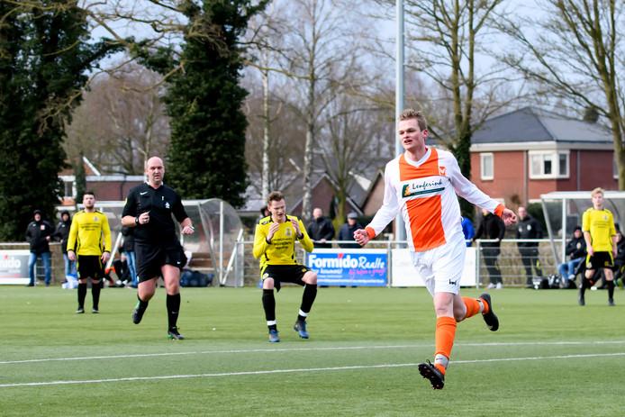 Rik Lugtenberg zette Lemelerveld met de 3-2 op koers voor de overwinning tegen Heerde (4-2).  Foto Orange Pictures/Johan Wolff