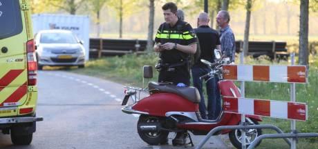 Snorscooter ramt hek bij wegwerkzaamheden in Haaren, bestuurder gewond