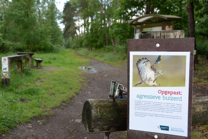 Het Agentschap Natuur en Bos plaatste intussen waarschuwingsborden voor nietsvermoedende joggers en wandelaars.