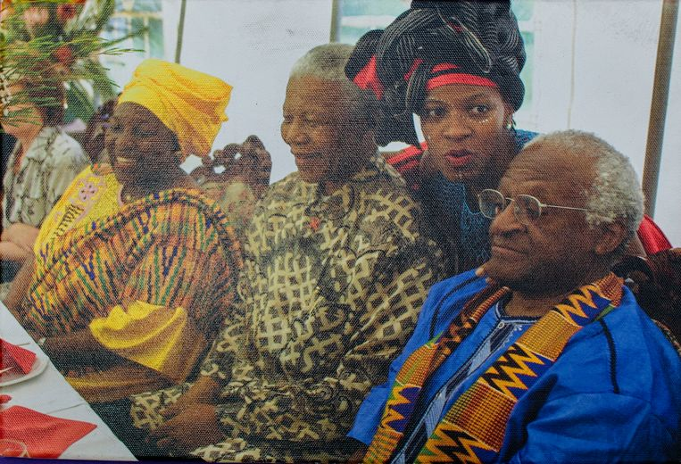Mpho Tutu met Desmon Tutu en Nelson Mandela. Beeld