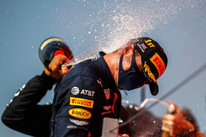 Ruim een miljoen mensen hebben zondag de overwinning van Max Verstappen op tv gezien.