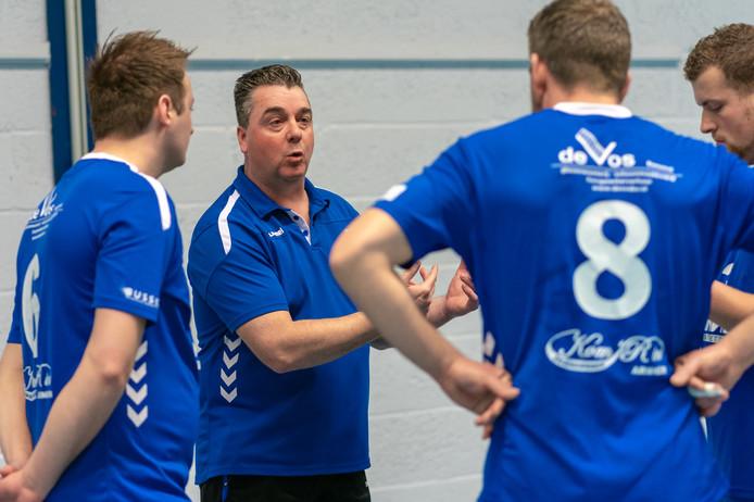 Johann Peters stopt na dit seizoen als coach van HV Huissen.