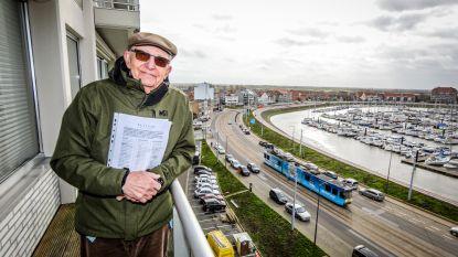 """Fernand (91) is hardhorig, maar start petitie tegen kusttram: """"Dat gepiep, ik word er gek van"""""""