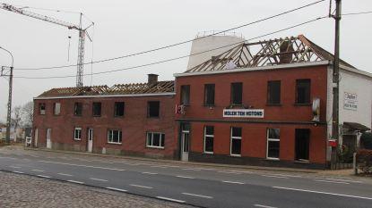Café Molen ten Hotond onder de sloophamer
