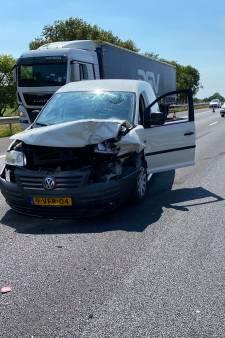 Fileproblemen op de A1 tussen Apeldoorn en Lochem na rits ongevallen en opstoppingen verholpen