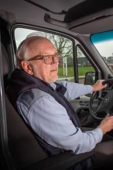 Ontbreken van veilig spatscherm houdt buurtbussen nog weken aan de kant