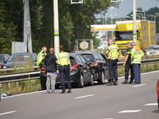 File op A12 richting Arnhem na botsing bij Beek, twee lichtgewonden