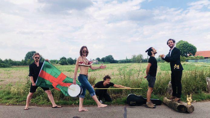 Navarone, gewoonlijk een vaste gast op de Vierdaagsefeesten, houdt in juli een eigen Zesdaagse: een concertreeks voor klein publiek.