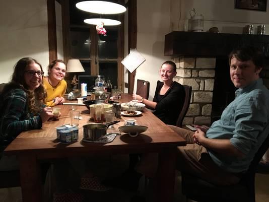 Herman met zijn dames Pia, Anne en Fleur.