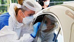 OVERZICHT. Cijfers blijven stijgen: gemiddeld 1.425 nieuwe besmettingen per dag met piek van 1.970 op maandag