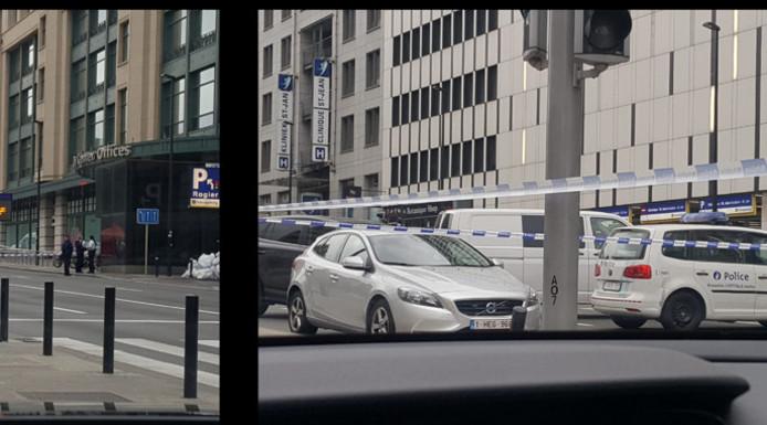 Dimanche vers 04h45, un piéton a été fauché par une voiture sur le boulevard du Jardin Botanique, face à la Place Rogier, dans le centre de Bruxelles. Le piéton est décédé sur place des suites de ses blessures. L'automobiliste a commis un délit de fuite.