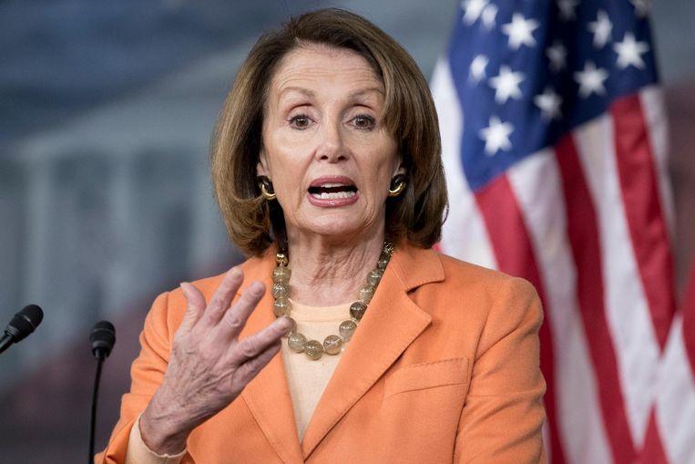 Nancy Pelosi herhaalt woensdag bij een persconferentie dat Jeff Sessions volgens haar zou moeten aftreden. Beeld null