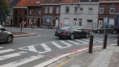 Proefopstelling op kruispunt tussen Broeke en Kruisstraat om situatie veiliger te maken voor fietsers