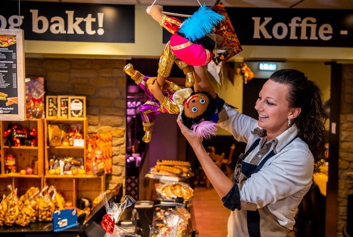 Bij banketbakkerij Aardoom in de Keizerswaard komt er voor 6 december geen kerstversiering in.