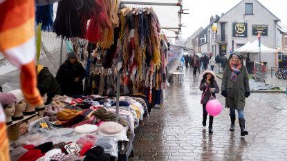 Slecht weer houdt volk (en dieren) niet weg van Rijmenamse jaarmarkt