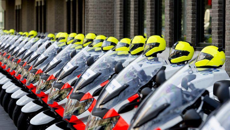 Motoren van de motorbrigade staan geparkeerd bij het ministerie van Buitenlandse Zaken Beeld ANP