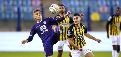 Tegenslag Vitesse: Bero met knieblessure zeker 4 weken uitgeschakeld