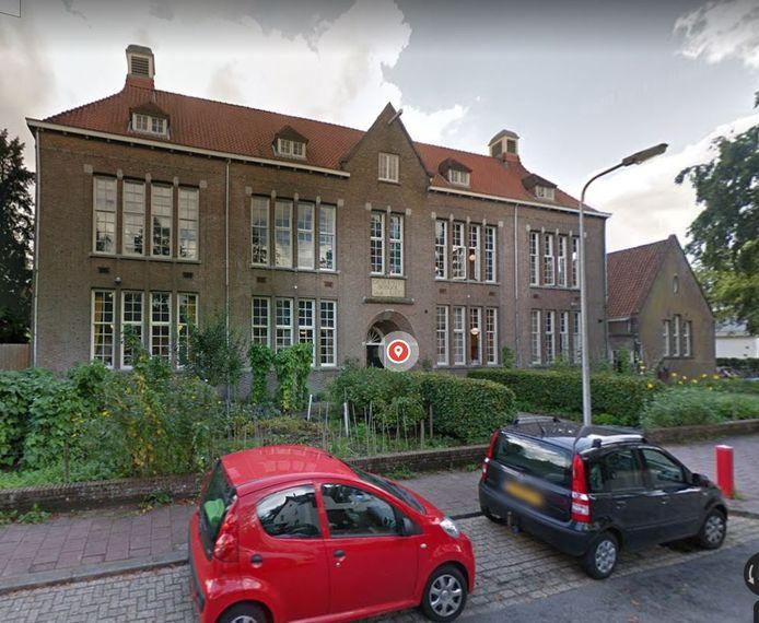 De Tobiasschool in Zeist neemt als eerste intrek in het tijdelijke gebouw.