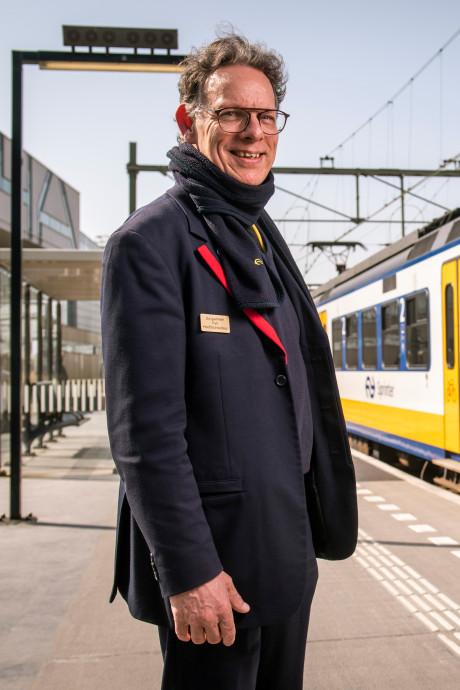 Conducteur Pieter (56) draagt in de trein even geen gedichten meer voor: 'Spijtig, maar gezondheid gaat boven alles'