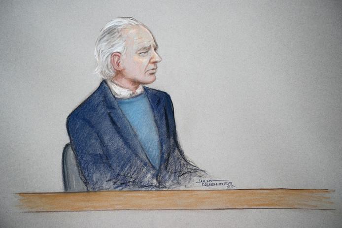 Julian Assange devant le tribunal de Westminster ce lundi 21 octobre.