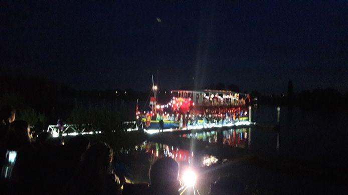 De pakjesboot meerde zaterdag rond half zes 's avonds aan in Rhenen