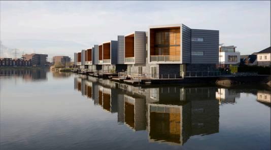 Ook dit is een voorbeeld van een van de nieuwe 'waterwoningen'.