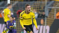 Knappe assist Thorgan Hazard loodst Dortmund naar zege in topper in Bundesliga