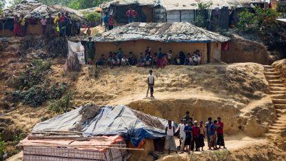 Regen dreigt 100.000 Rohingya weg te spoelen
