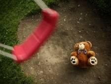 Meisje (4) sterft plotseling op school, vier jaar nadat haar broertje hetzelfde is overkomen