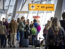 Chaos door staking openbaar vervoer valt mee op Eindhoven Airport
