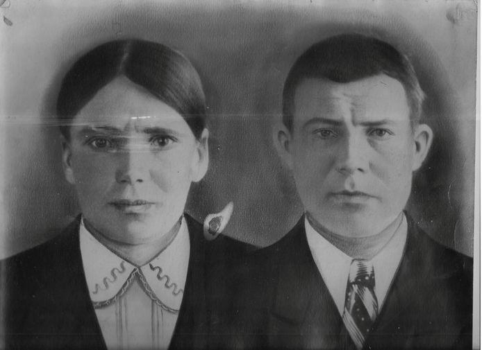 Rechts Sovjet-soldaat Timofej Gendin. Onderzoeker Remco Reiding achterhaalde zijn identiteit.