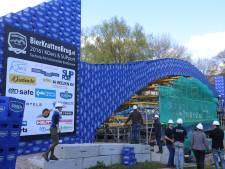 TU Eindhoven houdt wereldrecord bierkrattenbrug: 'Natuurlijk zijn we blij dat we nog steeds de beste zijn'