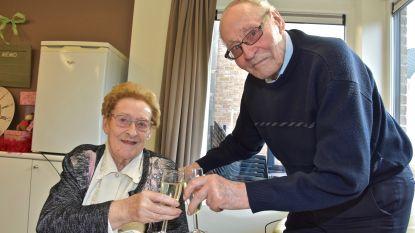 """Koppel uit Menen viert huwelijksverjaardag op valentijn: """"Hoe je 70 jaar lang samenblijft? Geef je vrouw altijd gelijk"""""""