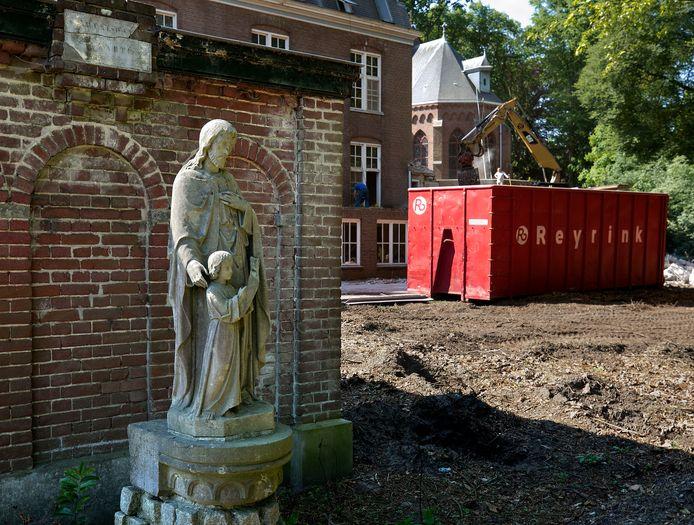 Het voormalige klooster Groot Bijstervelt in Oirschot wordt deels gesloopt.