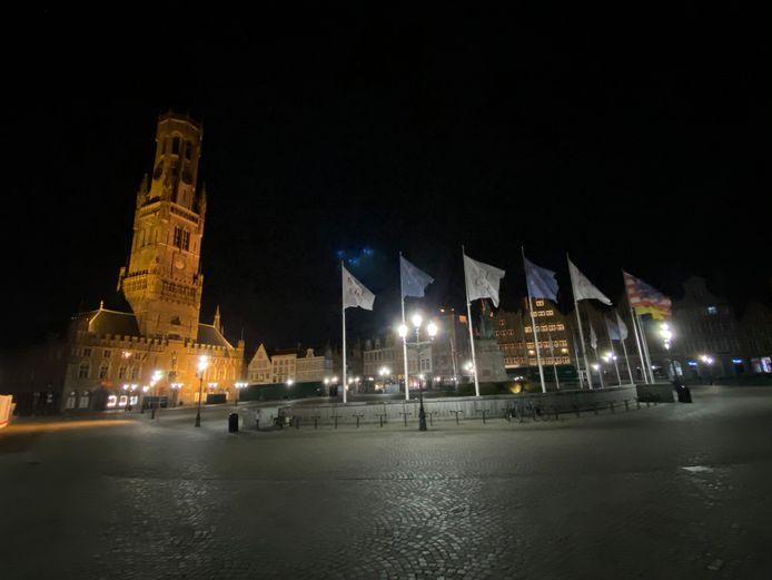 De straten van Brugge waren volledig leeg, toch werden meteen twee boetes uitgedeeld.