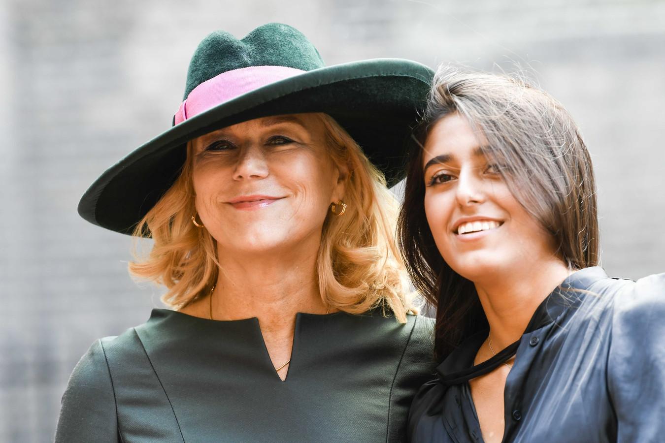 Van Fez Tot Fedora Tijdens Hoedjesparade Op Prinsjesdag