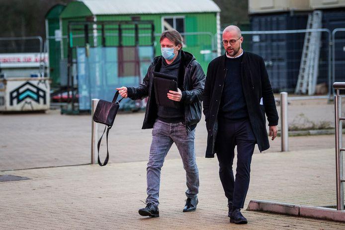 Frank Vercauteren arriveert aan de Bosuil voor zijn eerste werkdag.