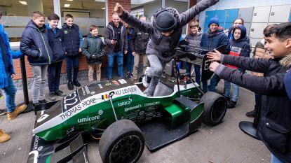 Studenten maken leerlingen warm voor STEM met zelfgemaakte elektrische racewagen